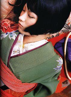 小学生の頃からずっと好きな歌手の椎名林檎。林檎ちゃんの独特の個性と世界観がすごく好き。
