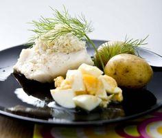 Kokt torsk med hackat ägg och pepparrot | Mat & Vänner