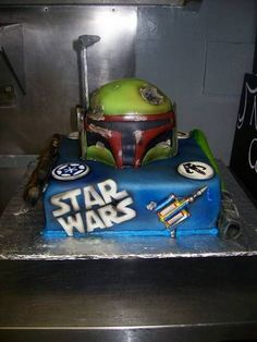 Boba Fetts Helmet Star wars cake - COOKING