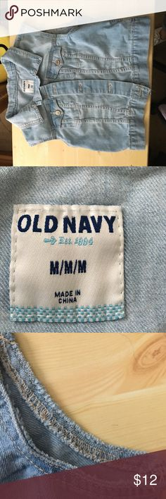 Old Navy vest This is a Old Navy jean vest in a light wash, with a 5 button front closure. This is a cropped style. 18.5 inches pit to pit, 16.5 inches shoulder to hem. Old Navy Jackets & Coats Vests