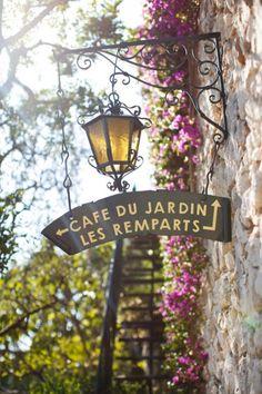 #Paris #BrendaDellaCasa.