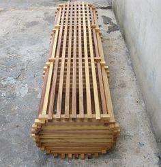 Скамейка из реек