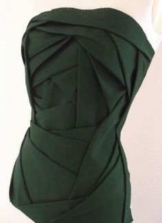 TR cutting school origami fold corset detailing
