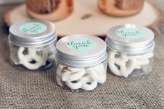These wedding mementos in smaller mason jars are usually ideal for your wedding! The jars are actually plastic so don't worry concerning the guests breaking these wedding mementos! Summer Wedding Favors, Wedding Favour Jars, Creative Wedding Favors, Inexpensive Wedding Favors, Elegant Wedding Favors, Edible Wedding Favors, Beach Wedding Reception, Fall Wedding Cakes, Wedding Favors For Guests
