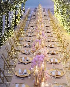 Wedding centerpieces are one of the key positions of the wedding decor. The most impressive, of course, are the floral wedding centerpieces. Wedding Places, Wedding Art, Rose Wedding, Floral Wedding, Wedding Flowers, Wedding Venues, Dream Wedding, Blush Flowers, Wedding Ideas