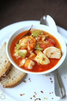 Zupa rybna z szafranem i wermutem