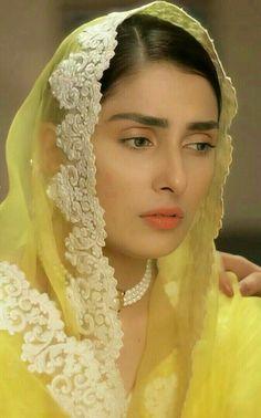 Beautiful Pakistani Dresses, Pakistani Dress Design, Pakistani Outfits, Indian Designer Outfits, Designer Dresses, Ayeza Khan Wedding, Indian Bridal Makeup, India Fashion, Hijab Fashion