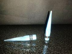 Tunnel Plug Piercing Dehnstab 8 mm / Ohr Expander 8mm  Blau/schwarz /Acryl