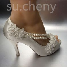 Details about su.cheny cm heel Pearl white ivory silk lace open toe Wedding Bridal shoes 8 / height pearl Blanco Marfil De Seda A bottle of underwater siphons from Novia Talla Wedding Shoes Bride, Wedding Boots, Bride Shoes, Wedding White, Wedge Wedding Shoes, Casual Wedding, Floral Wedding, Fall Wedding, White Heels