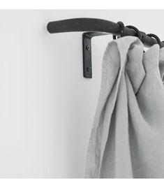 Tringle à Rideau 28 mm Matt Black /& Chrome Bouchon œillets Pole