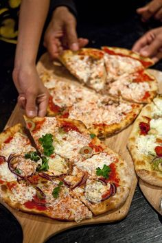 Pizza Party in 5 minutes.  Created by Artisan Bread in 5 minutes.
