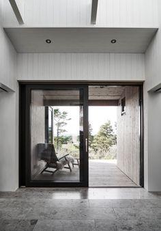 Villa Interior by M.Arkitetektur, Gotland – Design… – rustic home interior Villa Interior, Home Interior Design, Inspiration Design, Interior Inspiration, Hallway Inspiration, Japanese Minimalism, Island Villa, Rustic Home Interiors, Local Architects
