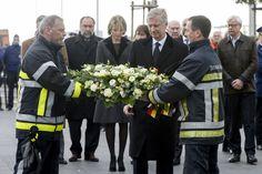 La reine Mathilde et le roi Philippe de Belgique à L'aéroport de Bruxelles National le 23 mars 2016