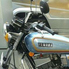 Yamaha rx Yamaha Rx100, Hero Motocorp, Super Bikes, Old Skool, Ducati, Jeeps, Cars And Motorcycles, Motorbikes, Luxury Cars