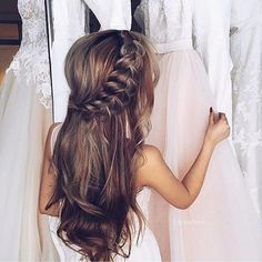 Wedding hairstyles for long hair : Loose Bridal Hairstyle | itakeyou.co.uk #bridalhair #weddinghairstyles #weddingideas http://gelinshop.com/ppost/494762709048658106/
