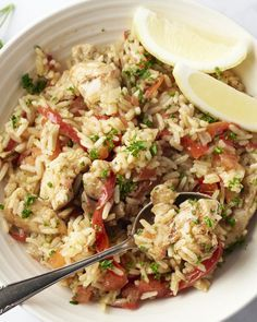 Een lekker pittig gerecht met kip uit Afrika, maar door de Portugezen geïntroduceerd op alle continenten tijdens hun wereldreizen. Een gerecht met een verhaal!