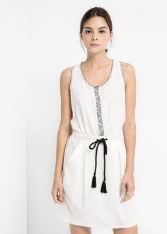 8427b4f94420 İşleme detaylı elbise - Kadın