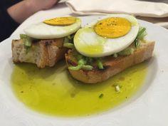Bruschetta uova soda e puntarelle: all'Osteria del Velodromo vecchio a Roma! #bruschette #trattorie #rome #roma