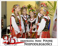 Klaudia y Olimpia cantan en la Iglesia con grupo Krakus
