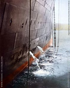 🛳Titanic weighs anchor, at Queenstown, Ireland - known today as Cobh - she is bound for New York. In this photo - taken by Frank Browne - we can see her starboard panels. It is the area of the ship which struck the iceberg a few days later. Titanic Ship, Rms Titanic, Titanic Photos, Titanic Museum, Titanic Movie, Belfast, Southampton, Titanic History, Ancient History