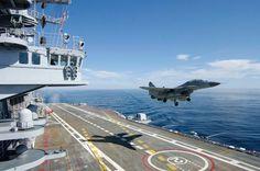 MiG aterrizando en el portaaviones INS Vikramaditya