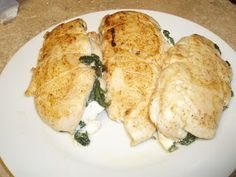Spinach & Mozzarella Stuffed Chicken! A super yummy, elegant weeknight meal that takes no time at all.