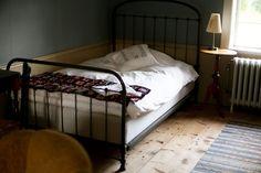 semesterdagbok IX – det sista stoppet ett litet B&B nära falköping B & B, Wilderness, Bed, Furniture, Home Decor, Decoration Home, Room Decor, Home Furniture, Interior Design
