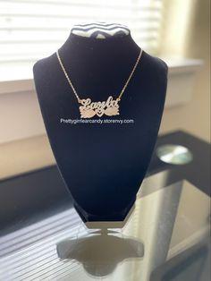 Add your custom name Custom Jewelry, Pairs, Handmade, Accessories, Hand Made, Personalized Jewelry, Handarbeit, Jewelry Accessories