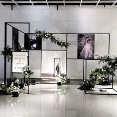 Colaboration between Architech and Interior Designer give us Inspiration for the modern contemporer wedding concept with monochomatic… Wedding Backdrop Design, Wedding Stage Design, Floral Backdrop, Wedding Designs, White Wedding Decorations, Backdrop Decorations, Wedding Themes, Black And White Wedding Theme, Gypsophila Wedding
