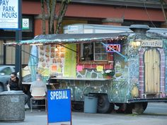 Guide to Portland OR food trucks with kids: where to find them, what trucks have the best kid fare.