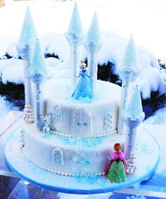 frozen cake disney frozen cake. Can totally see this happening, since I saved the castle pieces from her first princess party....