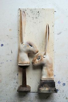 Textile Hare busts by Mister Finch. His work is amazing. Textile Sculpture, Textile Fiber Art, Art Sculpture, Textile Artists, Wall Sculptures, Mister Finch, Rabbit Art, Rabbit Hole, Bunny Art