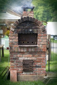 Grill And Pizza Oven Self bricked - Garden Design Ideas Diy Pizza Oven, Pizza Oven Outdoor, Pizza Ovens, Parrilla Exterior, Outdoor Pergola, Outdoor Decor, Brick Grill, Brick Garden, Diy Outdoor Kitchen