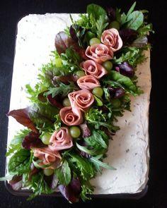 """""""#sandwichcake #voileipäkakku #hamcake #kinkkukakku #delicious #hyvää #nam #maistuisvarmaansullekin """""""