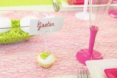 """Ce marque-place """"gourmandise"""" permettra d'indiquer la place de chaque invité tout en décorant  la table. Vos invités s'en lécheront les babines !"""