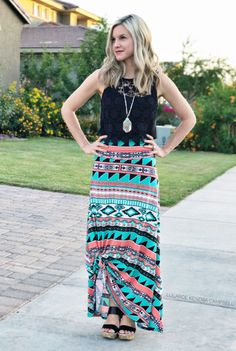 LuLaRoe maxi skirt with a crochet crop top! Tie it up to cool off on hot days. Click to shop LuLaRoe and for more style inspiration and giveaways!