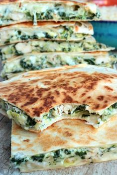 We all need the Best Quesadilla Recipes in our lives! Quesadillas are a total crowd pleaser and oh so easy to make. Delicious for parties and meals! Chicken And Spinach Quesadilla Recipe, Best Quesadilla Recipe, Spinach Enchiladas, Chicken Quesadillas, Best Cheese For Quesadillas, Vegetarian Quesadilla, Spinach Artichoke Chicken, Artichoke Dip, Artichoke Ideas