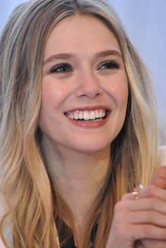 - ̗̀ saith my he A rt ̖́- Elizabeth Chase Olsen, Elizabeth Olsen Scarlet Witch, Mary Kate Ashley, Mary Kate Olsen, Scarlett Johansson, Beautiful Celebrities, Beautiful Women, Godzilla, Olsen Sister