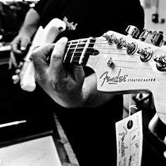 http://triptofender.com/ … Meet the masterbuilders from Fender! #muziker #triptofender #trip #guitar #competition