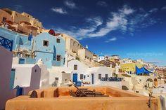 En Parlak Ege Adası Santorini'den Turkuaz Parlaması