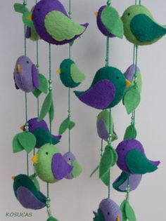 Móvil de fieltro con pájaros