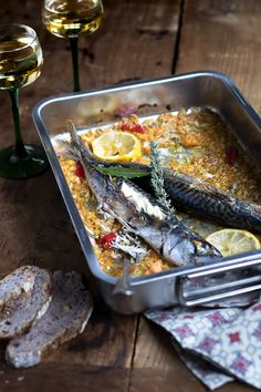 mackerels cooked in white wine A Food, Good Food, Yummy Food, Fish Food, Sweets Recipes, Fish Recipes, Healthy Crockpot Recipes, Your Recipe, Yummy Eats