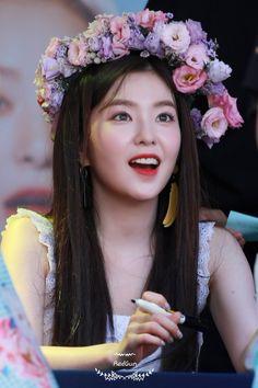 Ideas Wallpaper Iphone Red Velvet Irene For 2019 Irene Red Velvet, Red Velvet アイリン, Park Sooyoung, Snsd, Kpop Girl Groups, Kpop Girls, Red Velet, Redvelvet Kpop, Daegu