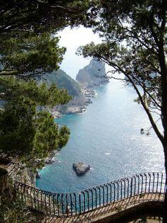 Amalfi Coast, Sorrento, Italy - Beaches Vacation
