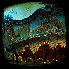 Carousel at abandoned amusement park in Paris, France Abandoned Theme Parks, Abandoned Amusement Parks, Abandoned Buildings, Abandoned Places, Parc A Theme, Dark Circus, Circus Circus, Night Circus, Most Haunted