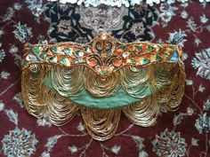 Shushanna Designs: Beaded Fringe and Swags. Helpful tips on beautiful beaded draping.