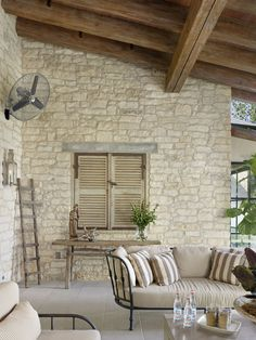 Casa mediterránea del estilo de la calle-Ryan-10-1 Kindesign