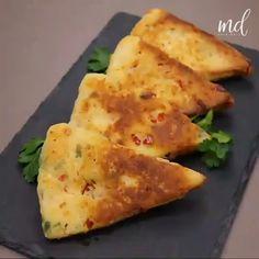 Easy Samosa Recipes, Paratha Recipes, Spicy Recipes, Indian Food Recipes, Vegetarian Recipes, Egg And Bread Recipes, Easy Cooking, Cooking Recipes, Falooda Recipe