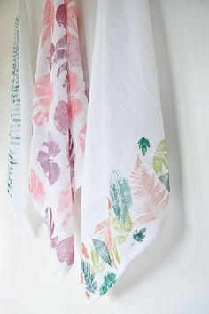 DIY leaf printed tea towel.  An easy weekend DIY for all ages, would be great for Mother's Day.