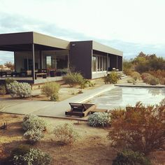 Marmol Radziner Prefab Home.   Desert Hot Springs, California.
